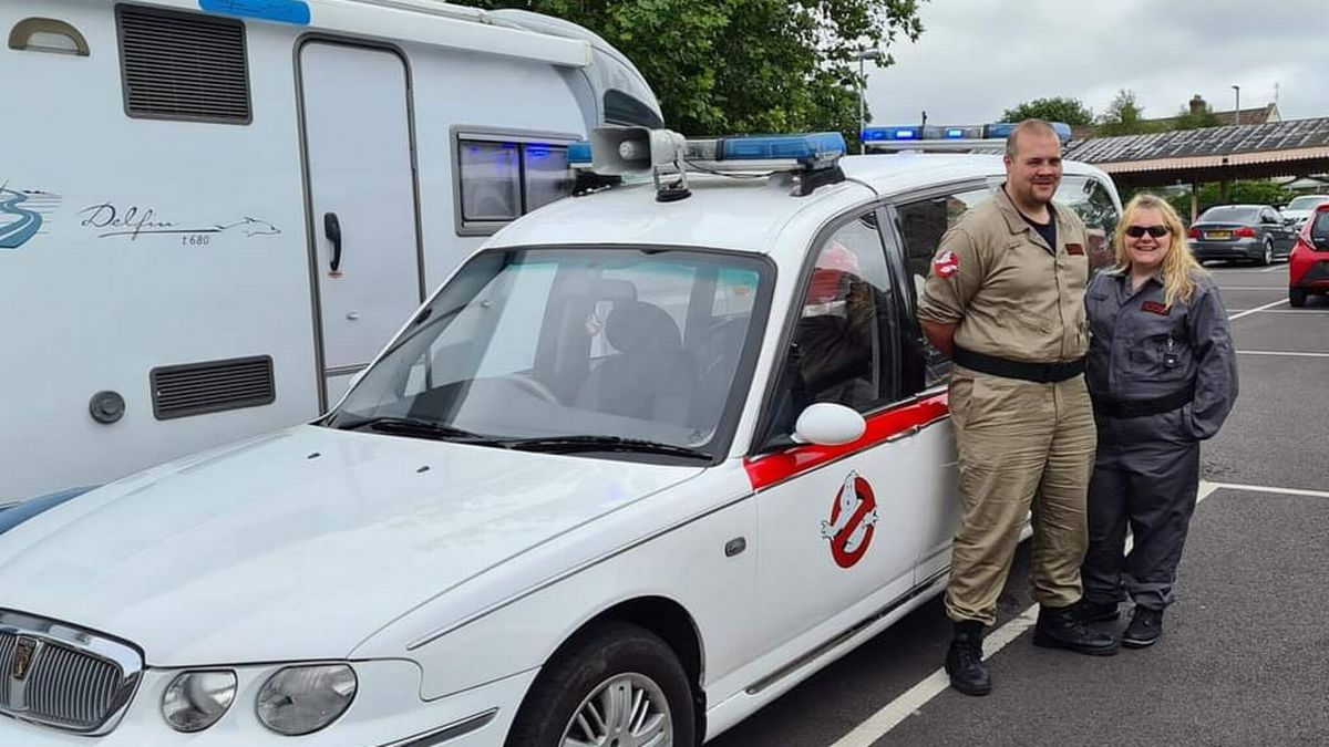 Ghostbusters-obsessed couple hunt ghosts with their very own Ecto-1